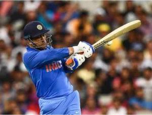Kohli, in the defense of Dhoni